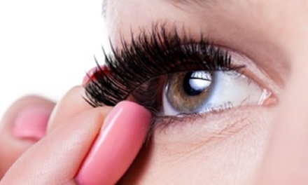 how to take off false eyelashes at home