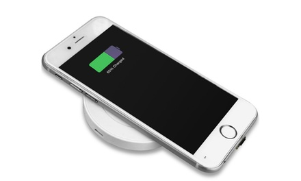 Maze Exclusive Wireless Charging Pad for Apple Lightning or Qi-Enabled Devices