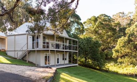 Metung: 5Night Cottage Escape for Four or Six People with Late CheckOut and Parking at 4* McMillans of Metung