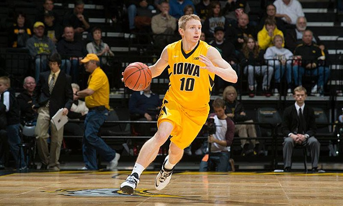 University of Iowa Men's Basketball - Lincoln: $11 to See a University of Iowa Men's Basketball Game at Carver-Hawkeye Arena on December 9 at 6 p.m. ($21 Value)