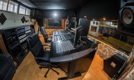 Grabación en estudio con tiempo a elegir desde 19,95 € en Estudio de grabación KMC