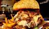 Street food con hamburger e birra