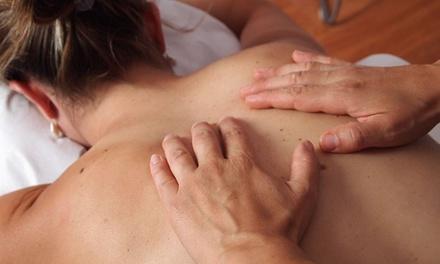 2 o 4 sesiones de masaje a elegir en Bambu Zenter (hasta 64% de descuento)