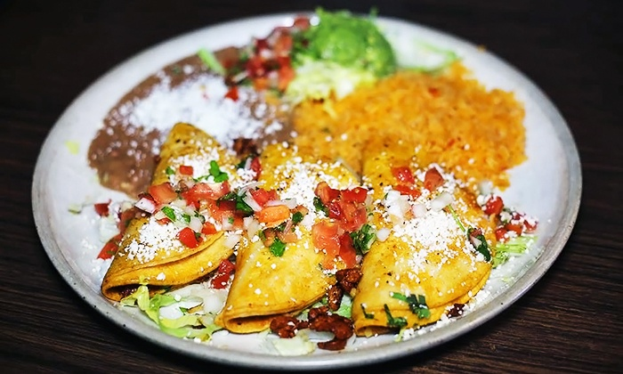 El Palmar - Downtown Kent: $10 for $20 Worth of Mexican Food and Drinks at El Palmar