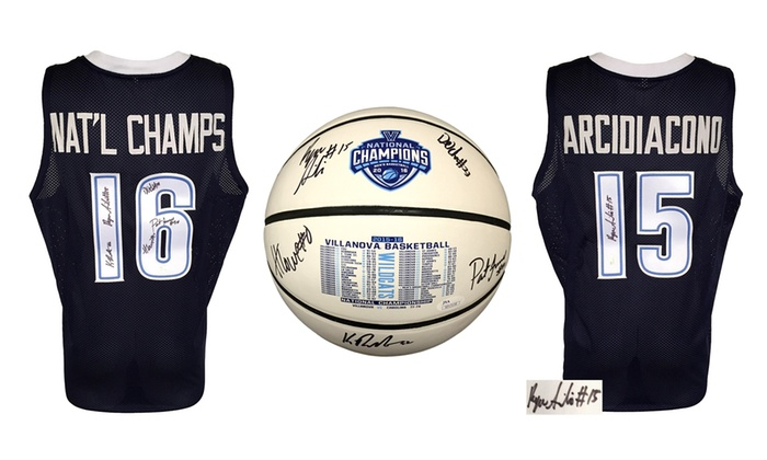 2016 National Champion Villanova Wildcats Seniors Autographed Memorabilia