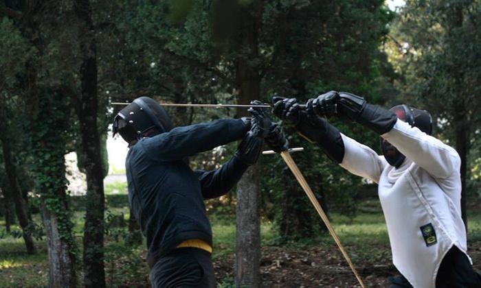Fino a 16 lezioni di scherma e arti marziali in più sedi da Accademia Romana d'Armi (sconto fino a 88%)
