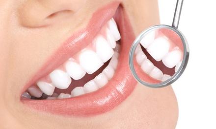 Limpieza bucal, ultrasonidos, pulido, fluorización y opción a férula a elegir desde 12,95 € en Dental Carranza