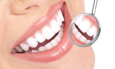 Visita odontoiatrica, pulizia, air flow e sbiancamento denti da Doctor Dent (sconto fino a 86%). Valido in 2 sedi
