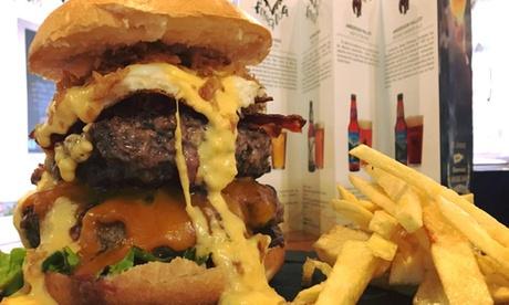 Menú para 2 con nachos, hamburguesa de 200 o 500 g, postre, bebida y chupito en Beers La Laguna desde 16,90 €