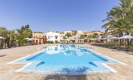 Denia: habitación doble premium o suite para 2 o 4 personas con desayuno o media pensión en The Residences La Sella