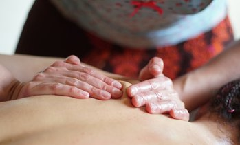 Wellness-Massage und Leibarbeit