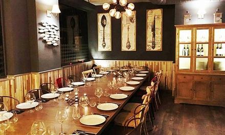 Menú para 2 o 4 personas con aperitivo, entrante, principal, botella de vino y postre desde 24,95 € en El 7 de Zahonero
