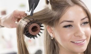 Kary Coiffure: Shampoing, coupe des pointes et brushing, option couleur, balayage ou mèches dès 19 € au salon Kary Coiffure