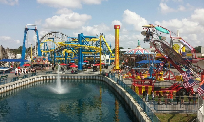 Fun Spot America - Orlando/Kissimee - Multiple Locations: $38 for Theme Park Entry with Gator Spot Admission at Fun Spot America Theme Parks ($51.95 Value)