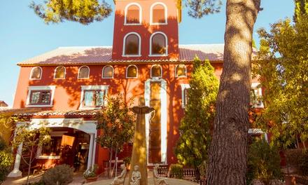 Valencia: 1 a 3 noches en habitación doble para 2 con desayuno, detalle y parking en Sweet Hotel Masia de Lacy 4*