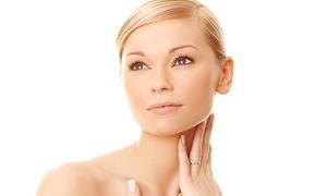 Clinique Naturelle: Trattamento viso antietà con botox o filler (sconto fino a -82%)