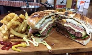 Che Capo Premium: Desde $95 por hamburguesa Premium + papas full cheddar + cerveza o gaseosa para uno, dos o cuatro en Che Capo Premium