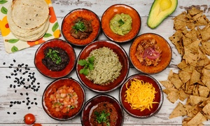 """מקסיקנה: מקסיקנה סניף ירמיהו בת""""א: ארוחת טעימות דוס מקסיקנוס משודרגת לזוג/רביעייה, החל מ-149 ₪ בלבד! מגוון בשרים, סלסות וטורטיות"""