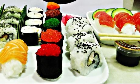 Menú take away de sushi desde 16,99€ en Sushi Eñe en el Mercado de Calle Feria