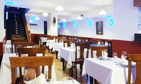 Menú indio con aperitivo, entrante, principal, postre y bebida para 2 o 4 personas desde 22,95 € en Bombay Palace New