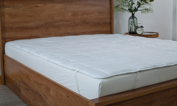 Slumberdown All-Season Mattress Topper for £12