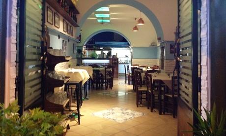 Menu di mare con 6 antipasti, primo, secondo, dolce e vino al ristorante Addo Scugnizz (sconto 56%)