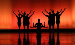 """Stadthalle Leonberg: 2x """"Shadows in Motion– Getanzte Geschichte(n) aus Licht & Schatten"""" am 19.4. in der Stadthalle Leonberg (bis 40% sparen)"""