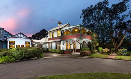 Katoomba: 1-3 Nights for 2 People with Wine, Early Check-In and Late Check-Out at 4* La Maison Boutique Hotel