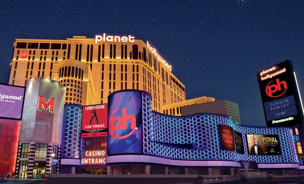 4 Star Vegas Strip Resort With Dining Credit