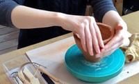 粘土をこねて、あなたも表現者の仲間入りを≪陶芸体験/手びねり or 電動ろくろ≫ @ICHICARA