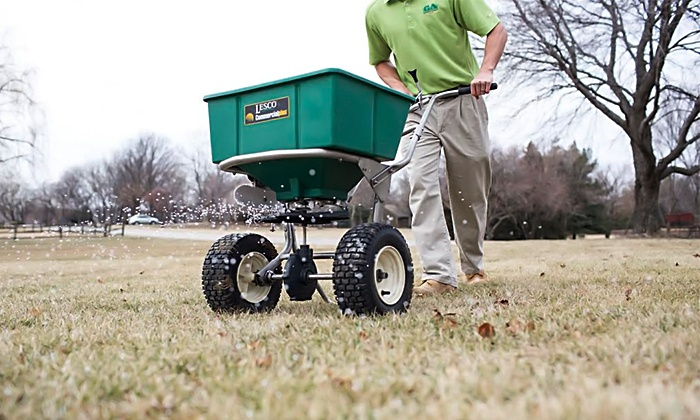 Green Again Lawn - Kansas City: Fertilizer and Pre-Emergence Lawn Application from Green Again Lawn (Up to 52% Off). Three Options Available.