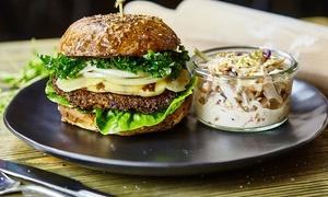 Drugie Dno Craft Beer And Food: Burgerowa uczta dla 2 osób za 49,99 zł i więcej opcji w Drugie Dno – Craft Beer & Food