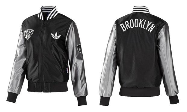 Adidas jacke logo hinten