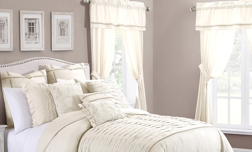 Closeout Room In A Bag Bedding And Curtains Set 24 Piece Groupon