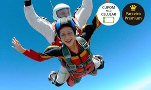 Skydive Rio Paraquedismo: Skydive Rio Paraquedismo: salto duplo de paraquedas com curso teórico