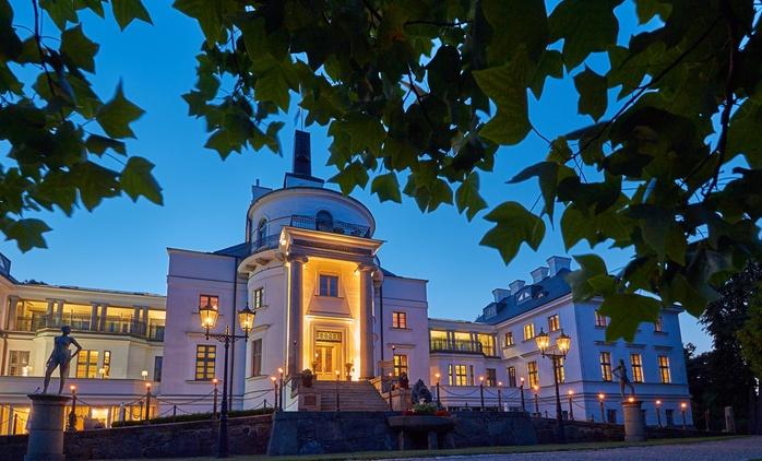 Mecklenburg: 3 Tage für 2 im Deluxe-Zimmer mit Spa, Verwöhn-Treatment und vielen Extras im 5* Schlosshotel Burg Schlitz