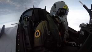 Le Looping: Simulation de pilotage à bord d'un avion de chasse ou d'un avion militaire avec un passager dès 34,90 € avec Le Looping
