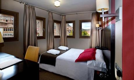 Zaragoza: 1 o 2 noches en habitación doble con desayuno, detalle y opción a cena en el Hotel Monasterio Benedictino 4*