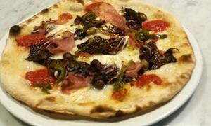 La Strepitosa: Menu con pizza a scelta e birra per 2 o 4 persone al ristorante La Strepitosa (sconto fino a 73%)