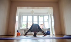 Yoga Tajm Studio Yogi i Masażu: Zajęcia jogi: 4 wejścia za 49,99 zł i więcej opcji w Studiu Yogi i Masażu Yoga Tajm w Bielsku-Białej (do -44%)