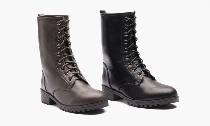 8a07ae2ea9ab0 Sociology Women s Lace-Up Combat Boots (Size 7)