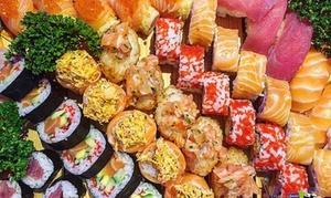 Yao Sushi (Chiaia): Menu giapponese Fusion o Deluxe con edamame, sushi, zuppa miso e vino per 2 persone da Yao Sushi (sconto fino a 62%)