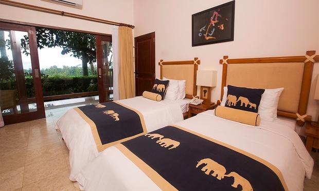 Bali: 5* Lodge + Elephant Safari 2