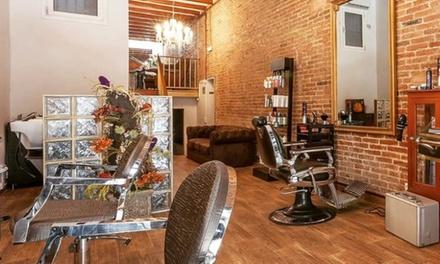 Extensión de pestañas con opción a tratamiento de colágeno, diseño de cejas y maquillaje desde 19,99 € en Leudi D' André