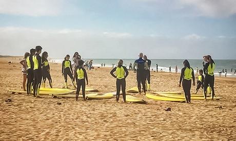 1 o 3 clases de 2 horas de surf con equipo incluido desde 14,95 € con El Palmar Surf