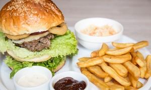 Jimmy's Steakhouse: Amerykańskie burgery z frytkami i sałatką dla 2 osób za 34,99 zł i więcej w Jimmy's Steakhouse w Toruniu (do -34%)