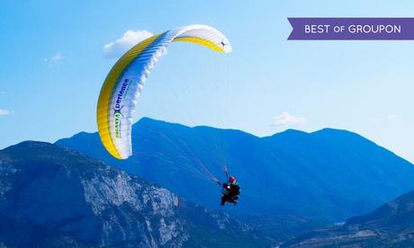 Vuelo acrobático en parapente y reportaje fotográfico para 1 o 2 personas desde 69 € en Organyà Xperience
