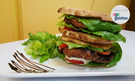 Menu con hamburger artigianale, frisa leccese e birra per 2 o 4 persone al risto-pub L'alternativa (sconto fino a 58%)