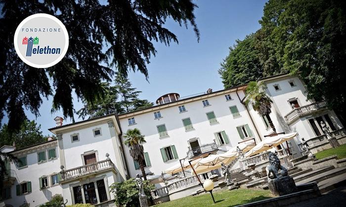 Cena con delitto e menu d'autore di 4 portate con vino in 3 diverse dimore storiche con San Lucio Events