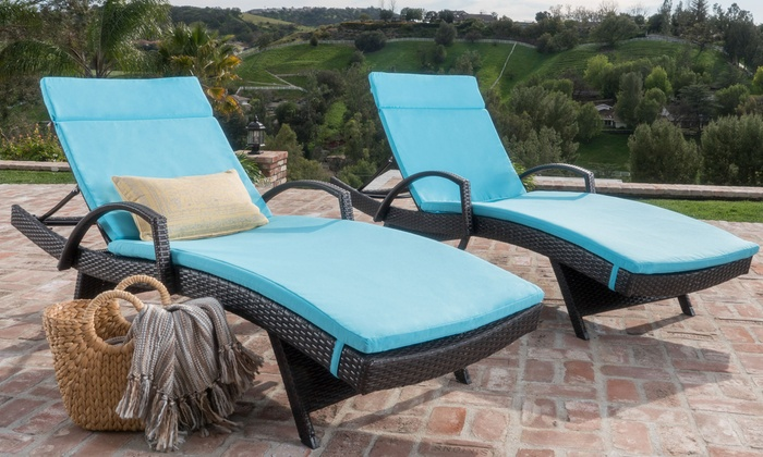 Olivia Outdoor Wicker Armed Chaise